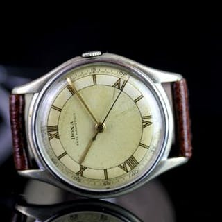 GENTLEMENS DOXA OVERSIZE WRISTWATCH, circular two tone dial with gilt