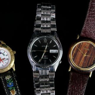 A GROUP OF THREE WATCHES, INCLUDING, a gentlemen's citizen, a ladies