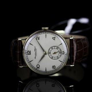 GENTLEMENS IWC WRISTWATCH, cream dial with arabic numbers and hour