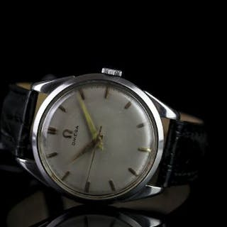 GENTLEMENS OMEGA VINTAGE DRESS WRISTWATCH, circular silver dial with