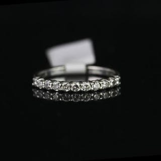 9CT WHITE GOLD DIAMOND ETERNITY RING,11 stones estimated total weight