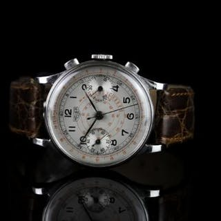GENTLEMENS HEUER CHRONOGRAPH WRISTWATCH, circular silver dial with