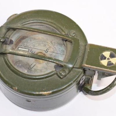 Vintage military green compass by Stanley Of London AATC...