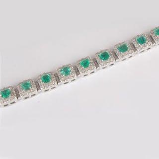 14K / 585 White Gold Colombian Emerald & Diamond Bracelet