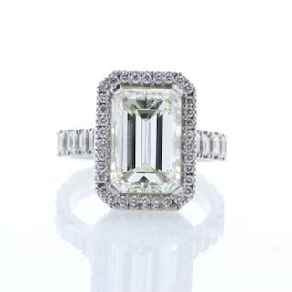 Unworn As New 18ct White Gold Single Stone Emerald Cut...