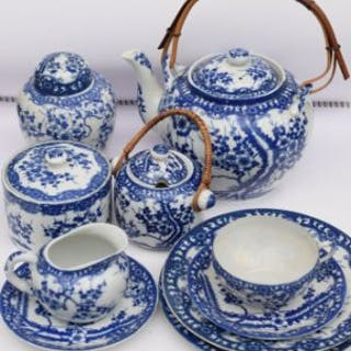 Chinese tea set in blue and white porelain