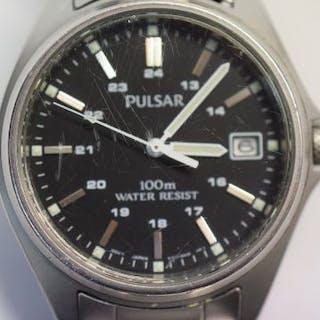 Pulsar 100m watch