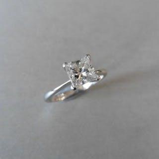 0.98ct diamond solitaire ring with a princess cut diamond
