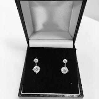 1.02ct diamond drop earrings