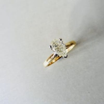 excellent cut and symmetry,H colour si3 clarity,18ct...