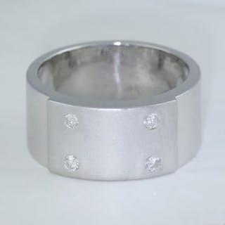 14 K / 585 White Gold Men's Diamond Ring 14 K / 585 White...