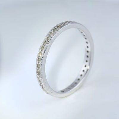 14 K / 585 White Gold Eternity Diamond Band Ring 14 K...