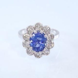 14 K / 585 White gold - Blue Sapphire (IGI Certified)...