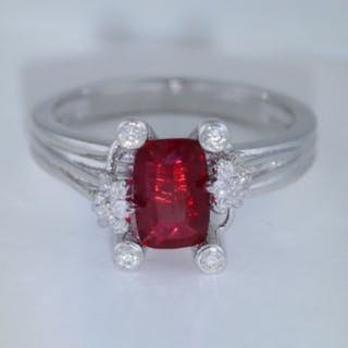 GIA Certified Very Exclusive Designer 14 K / 585 White...