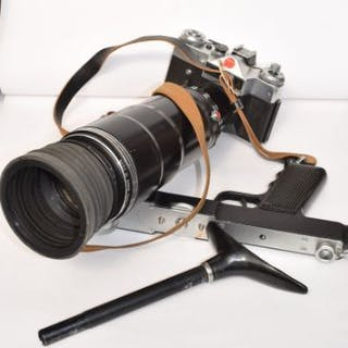 Complete in original carrying case is this Photo Sniper set with camera