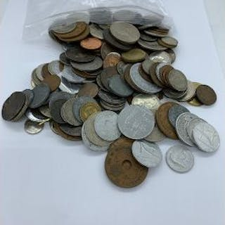 A Large collection of worldwide collectable coins