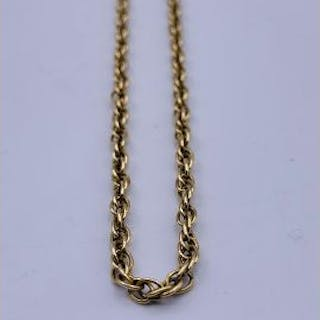 An 18ct gold necklace in a rope style (11.98g)
