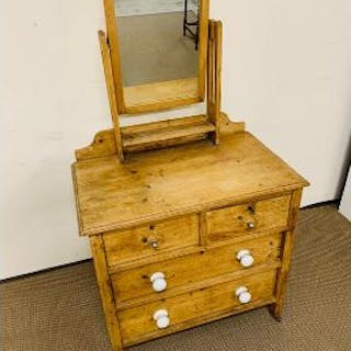 Pine dressing table/chest of drawers with mirror