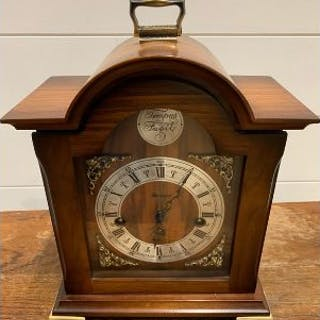 A Tempus mantle clock
