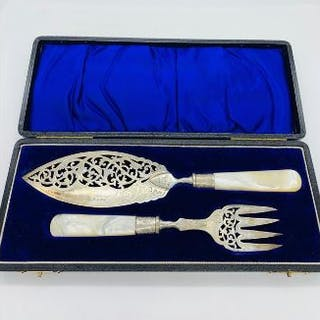 A cased set of silver fish servers with mother of pearl handles, Hallmarked