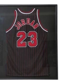 Michael Jordan Chicago Bulls Autographed Jersey classic car