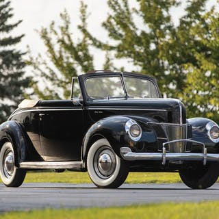 1940 Ford V-8 DeLuxe Convertible Coupe  classic car
