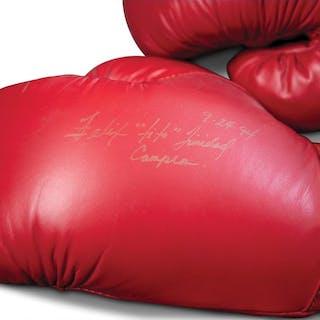 """Félix """"Tito"""" Trinidad Autographed Boxing Gloves classic car"""