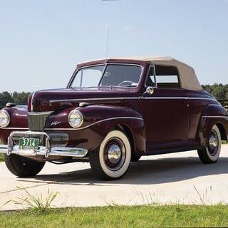 1939 Ford V-8 DeLuxe Convertible Sedan  classic car