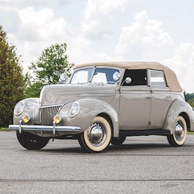1939 Ford Deluxe Convertible Sedan  classic car