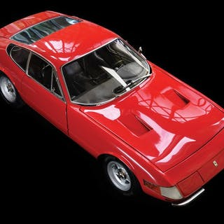 Ferrari 365 GTB/4 Daytona 1:8 Scale Model classic car