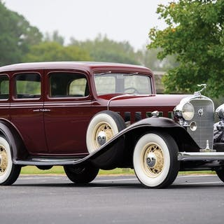 1932 Cadillac 355-B V-8 Standard Sedan  classic car