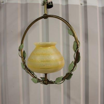 Taklampa,gul  metall ring med glaskupa