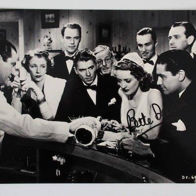 Bette Davis Signed 8×10 Photo – COA JSA