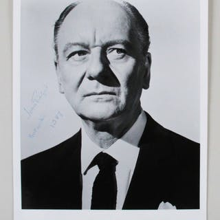 John Gielgud Signed 8×10 Photo – COA JSA