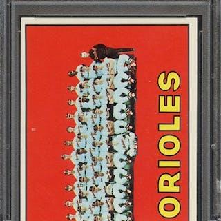 1967 TOPPS 302 ORIOLES TEAM PSA NM 7