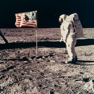 Armstrong (Neil) Buzz Aldrin salutes the U.S. flag, Apollo 11, 20