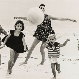 Norman Parkinson (1913-1990) At the Sea: A Collection of Four Photographs