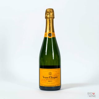 Non Vintage Veuve Clicquot, 6 bottles of 75cl.