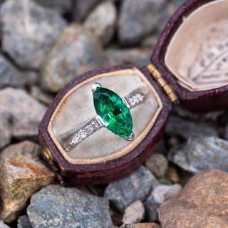 64585ec5bfaf Stunning 1930 s Marquise Emerald Engraved Platinum Ring