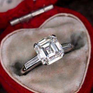 aba8b4d20bbe47 2 Carat Square Emerald Cut Diamond Engagement Ring Platinum 2.29Ct L/VS2 GIA