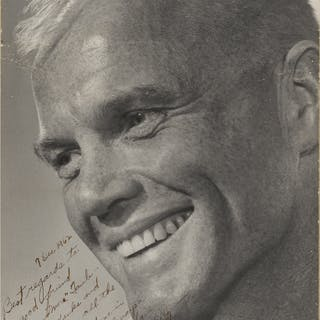[PROJECT MERCURY]. VINTAGE PHOTOGRAPH OF JOHN GLENN INSCRIBED AND