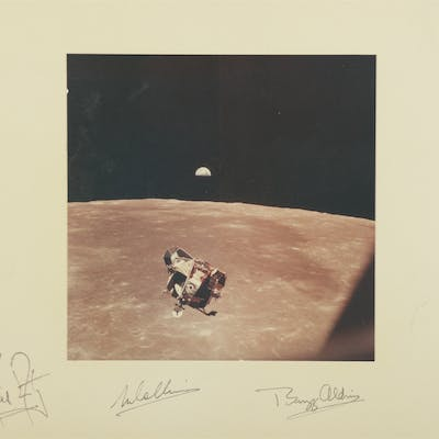 [APOLLO 11]. CREW SIGNED VINTAGE COLOR PHOTOGRAPH OF THE EAGLE'S RETURN
