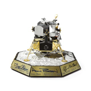 APOLLO LUNAR MODULE MODEL, PRODUCED BY THE FRANKLIN MINT, SIGNED BY