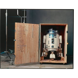 ANNIE LEIBOVITZ | R2-D2, PINEWOOD STUDIOS, LONDON