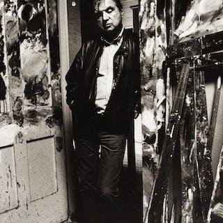 BRUCE BERNARD   FRANCIS BACON IN THE DOORWAY OF HIS STUDIO, 1984