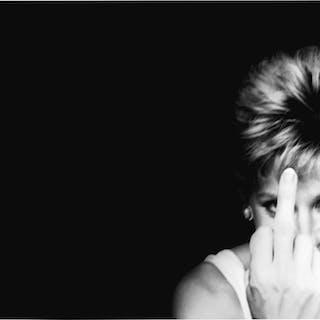 ALISON JACKSON | PRINCESS DIANA GIVES THE FINGER, 1998