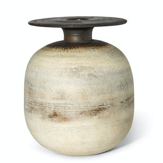 HANS COPER | OVOID POT WITH DISC