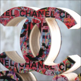 CATELAIN Christophe - IN CHANEL WE TRUST 19X25X7,5CM