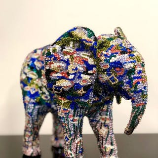 """ELEPHANT small """"A NIGHT IN PARIS"""" feat. Monet, 2019"""
