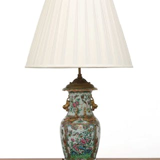 A Cantonese vase table lamp